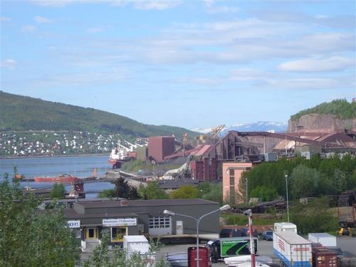 ナルヴィク港の鉄鉱石積出し所