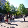 夏の日差しのシェレフテオの中央広場