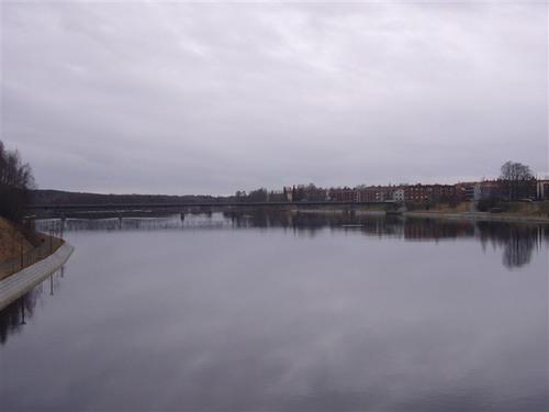 市内を流れるシェレフテオ川