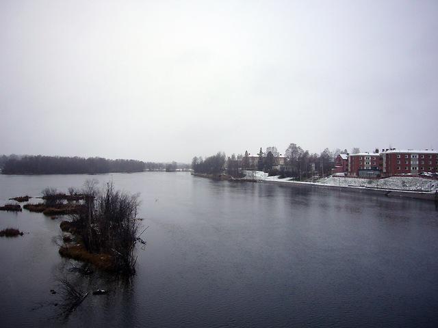 初雪のシェレフテオ川